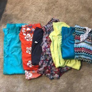 Bundle of women's clothes!
